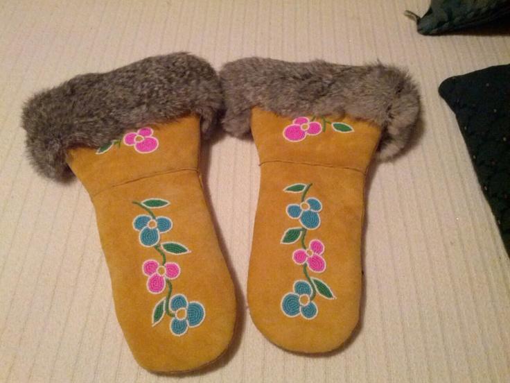 ladies moose hide mitts