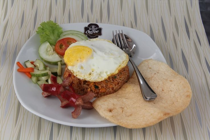 "Nasi Goreng Barometer -  Makanan - Barometer Coffee - Samarinda - Mampir Yuk.. Jl. Pahlawan No.3 – Samarinda, Kalimantan Timur, Indonesia   BUKA SETIAP HARI  JAM 12:00 WITA – 04.00 WITA Live Music : ""BaroCoustic"" with Ethnic Accoustic @ Every Wednesday Night & ""The Soul Accoustic"" @ Every Saturday Night ( 20:30 PM – 22:30 PM )"
