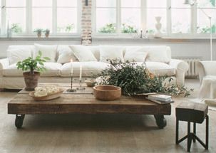 LOVE The Wooden Rustic Coffee Table!