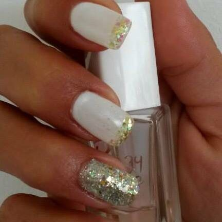Nails art ongles white gold paillettes or blanc ongles nails pinterest nail art art et - Ongle effet pull ...