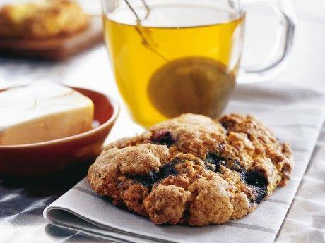 Blåbärs- och vaniljscones Receptbild - Allt om Mat
