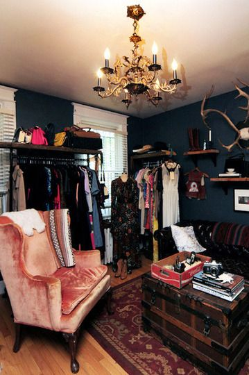 Converting a Bedroom Into a Dressing Room.. Dimi and I are going to need this for our apartment