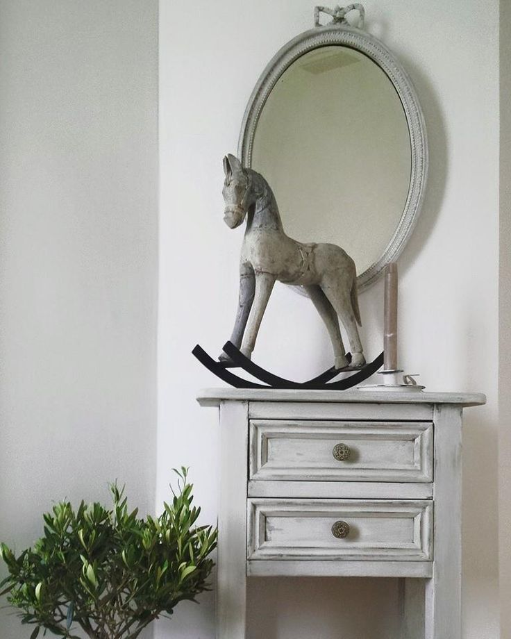 Simply divine...elegance...Nook painted this using The Crafty Bird Milk Paints www.milkpaint.ie