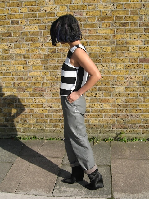 A MINOR OBSESSION...: Outfit: Stripy, Minimal, Leather
