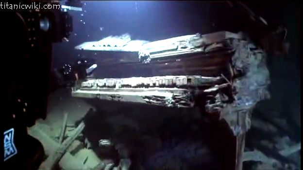 Titanic Stuff Found   Pictures of The Titanic Underwater, Titanic Wreckage