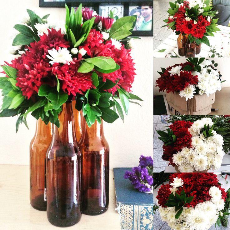 Adornos patrios de mesa. Flores. hechos por mi.