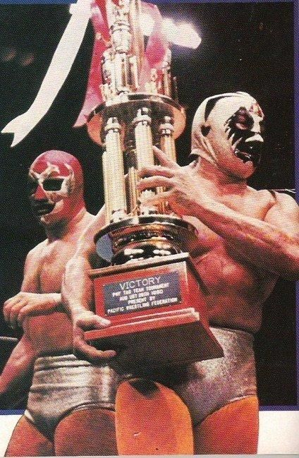Mil Mascaras and Dos Caras