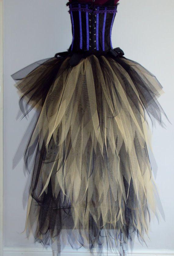 Oro negro Tutu Falda impresionante 40cms de falda en la parte delantera con un bullicio larga 120cmsTrailing en la parte posterior.