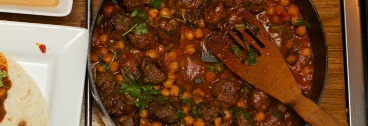 Marokkaanse gehaktballen in tomatensaus met Harissa-saus