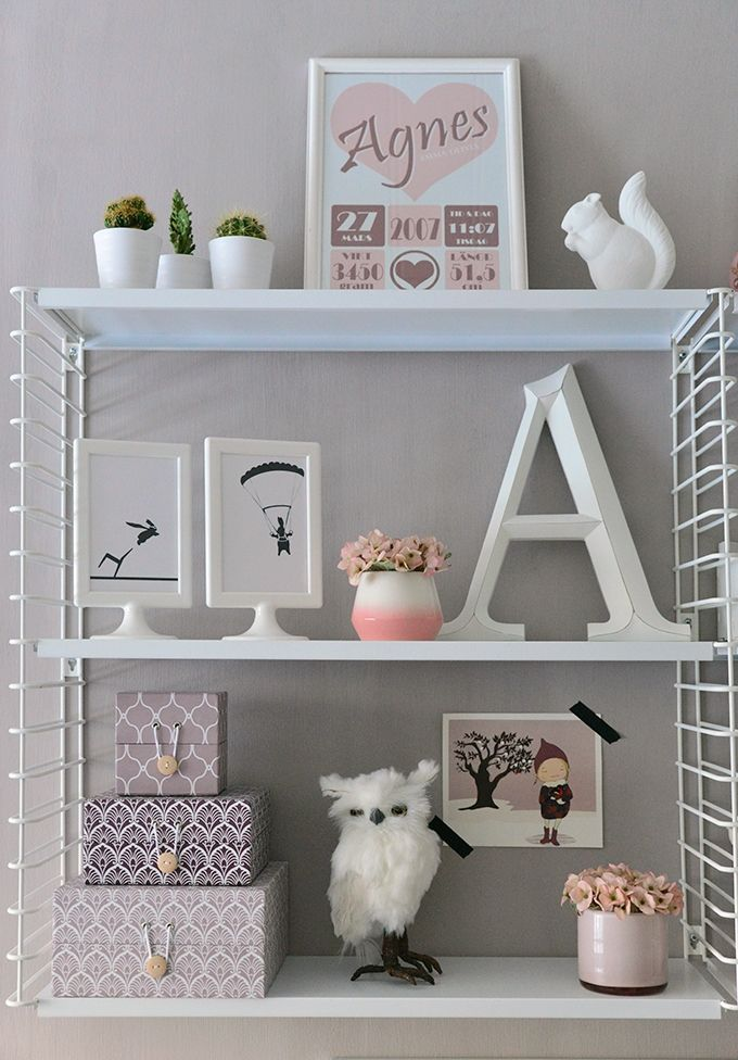 Girl´s room / desk / shelf / String / Kalklitir Add simplicity