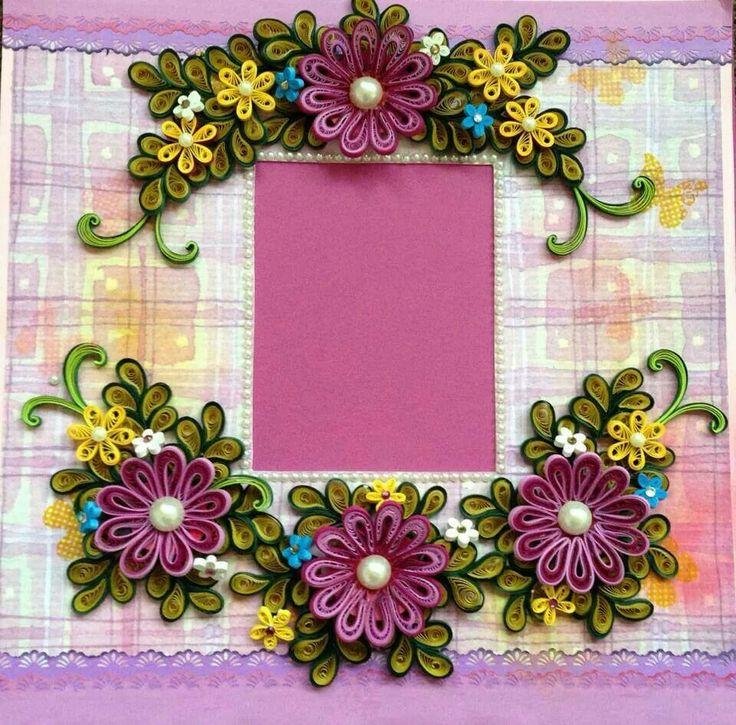 Картинка квиллинга с цветами и рамкой, надписью женщины