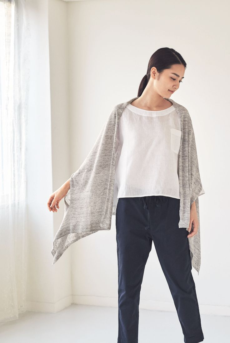 The stole you wear, not wrap. | A stole with openings for arms that is worn like a cardigan for light and breezy comfort. | MUJI French Linen UV Cut Cape Stole with Openings for Arms (Light Gray)