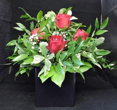 FLOWER ARRANGEMENTS - COTTAGE FRUIT & FLOWERS