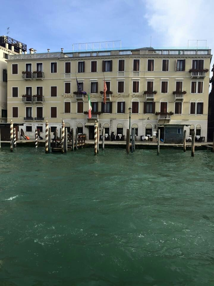 10 best the staff at the hotel carlton on the grand canal. Black Bedroom Furniture Sets. Home Design Ideas