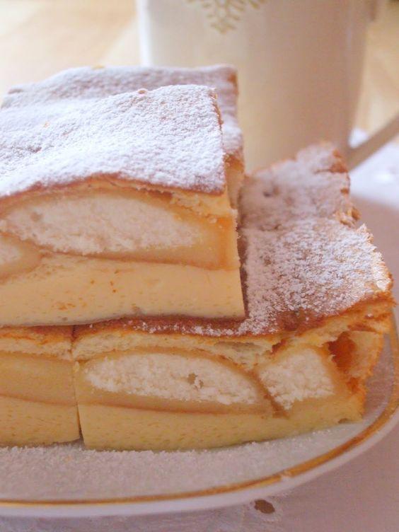 Delikatne, lekkie i bardzo wilgotne ciasto w smaku przypominające lekko karmelowy sernik. Ciasto jest naprawdę pyszne i bardzo cie...