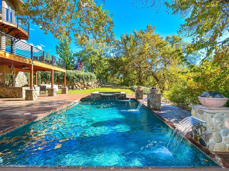 12 Vacation Rentals With Amazing Pools To Stretch Out Summer