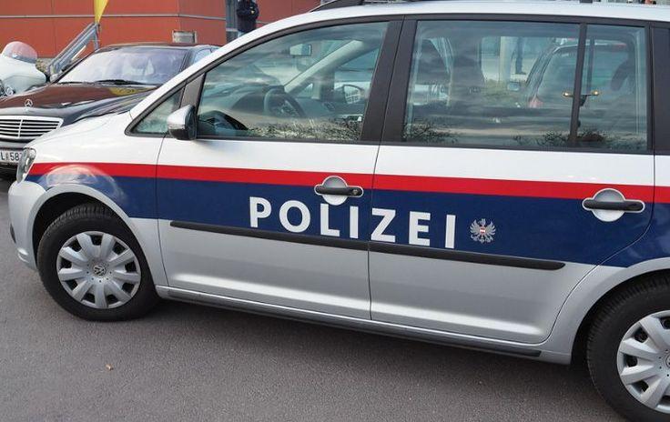 St. Georgen im Attergau: Pensionist (69) blieb mit Auto im Wald stecken - Erfolgreiche Suchaktion