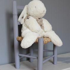 Petite chaise d'enfant violette personnalisable