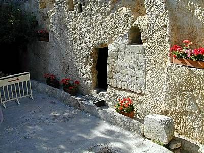 Officially the Garden Tomb Association only maintains this as a possible site for Christ's burial, some tour guides of the site are convinced of the authenticity