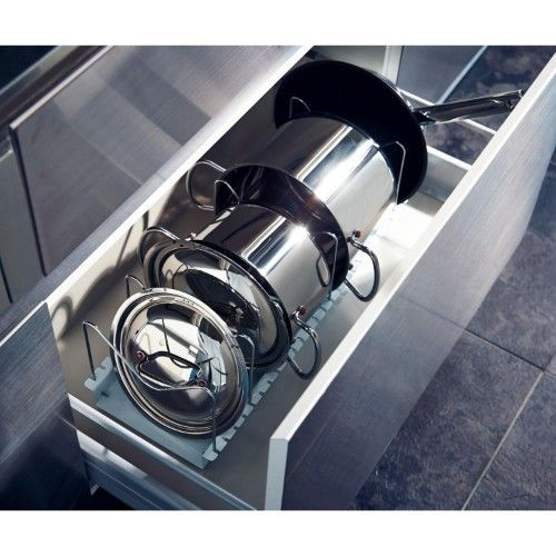 お鍋もフタも横並びが取り出しやすい。
