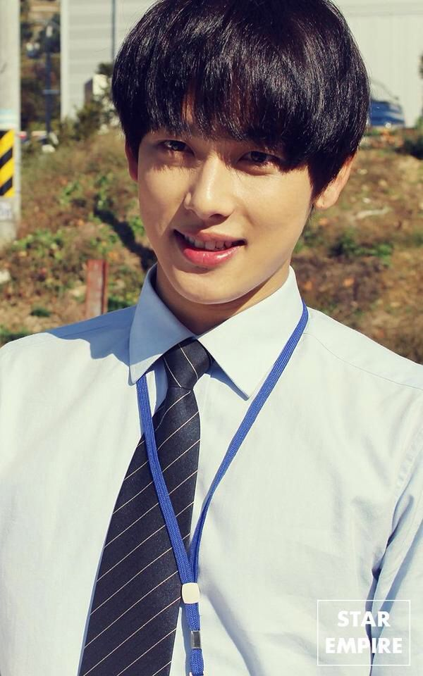 Misaeng: Im Siwan Misaeng- I am currently watching several kdramas when a lot of my friends recommended this one and I had not even heard of it. It is called Misaeng and the reviews on it were awesome. Watched the first episode last night on Dramafire.com and it was pretty good people watching episode 14 are still giving it 5 stars so this may be a winner. Check it out
