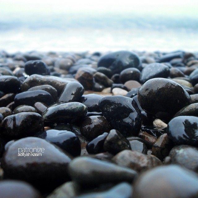 """Grave loud beach"" Unnamed beach, Ampana, Central Sulawesi, Indonesia. January 2013  #gravel #beach #folks #unknownparadise #sulawesi"