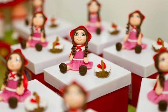 Caixa Chapéuzinho Vermelho