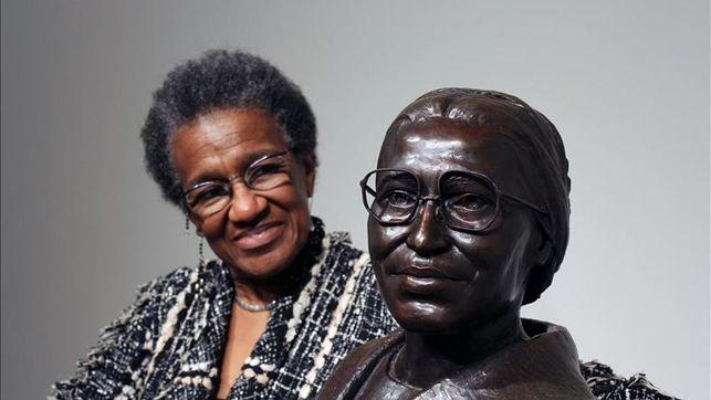 Rosa Parks, la huella de la mujer que se levantó sentándose / @eldiarioes | #readyforequality