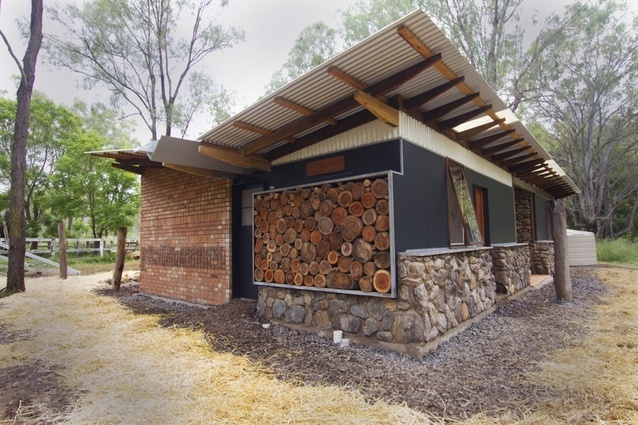 Real Studio: agricultural shed for Murphy's Creek Bicentennial National Trail by Queensland University of Technology (QUT)