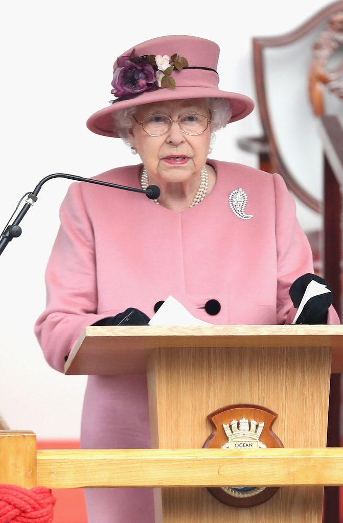 Queen Elizabeth Ii Photostream Queen Elizabeth Queen Elizabeth Ii Queen Hat