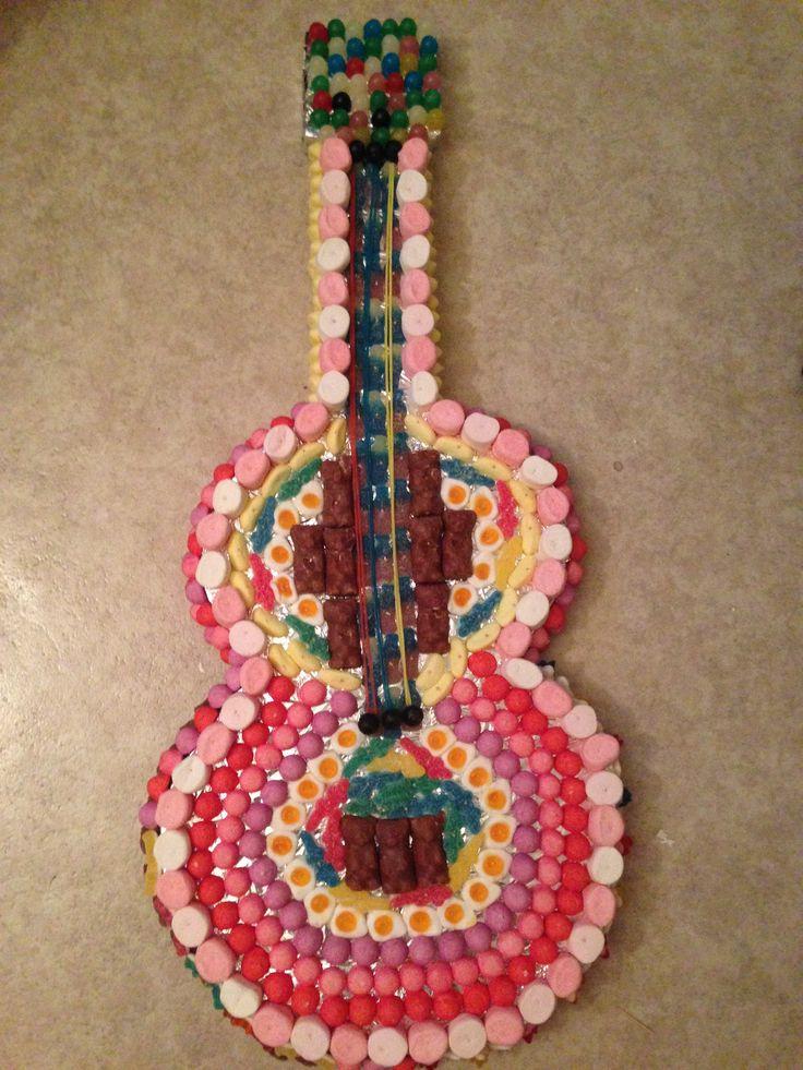 Guitare en bonbons gateau de bonbons pinterest bonbon - Gateau en bonbon ...