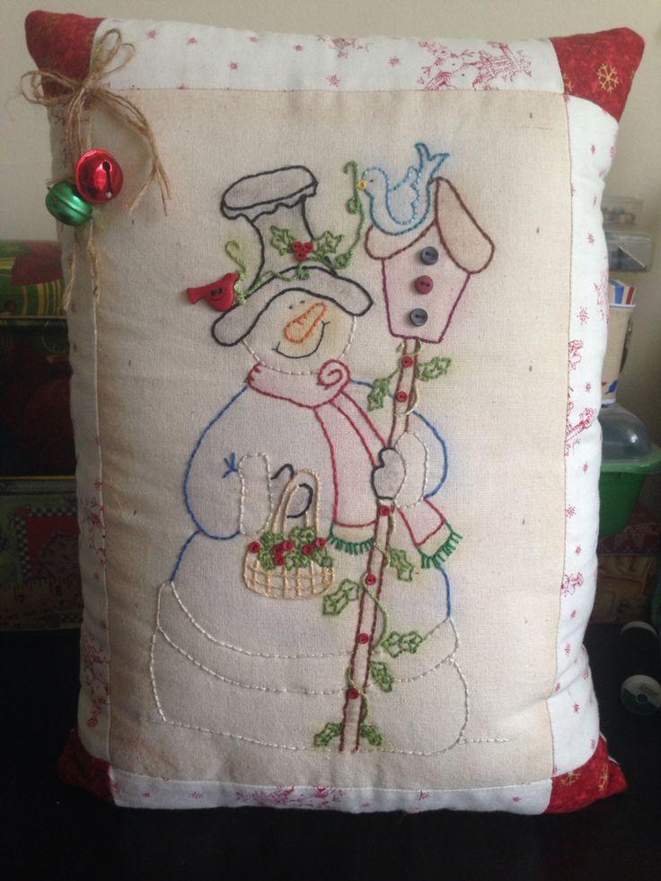 Cojín Navideño bordado muñeco de nieve