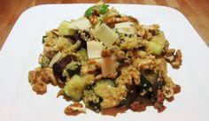 quinoa met kip, noten, aubergine en courgette