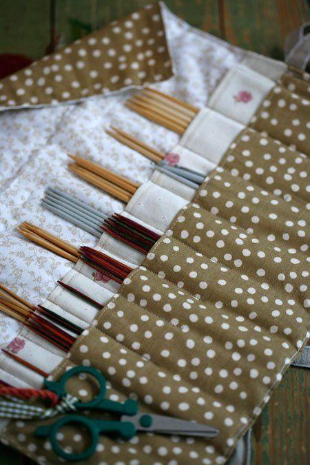 Sukkapuikkopussi (knitting needle roll)
