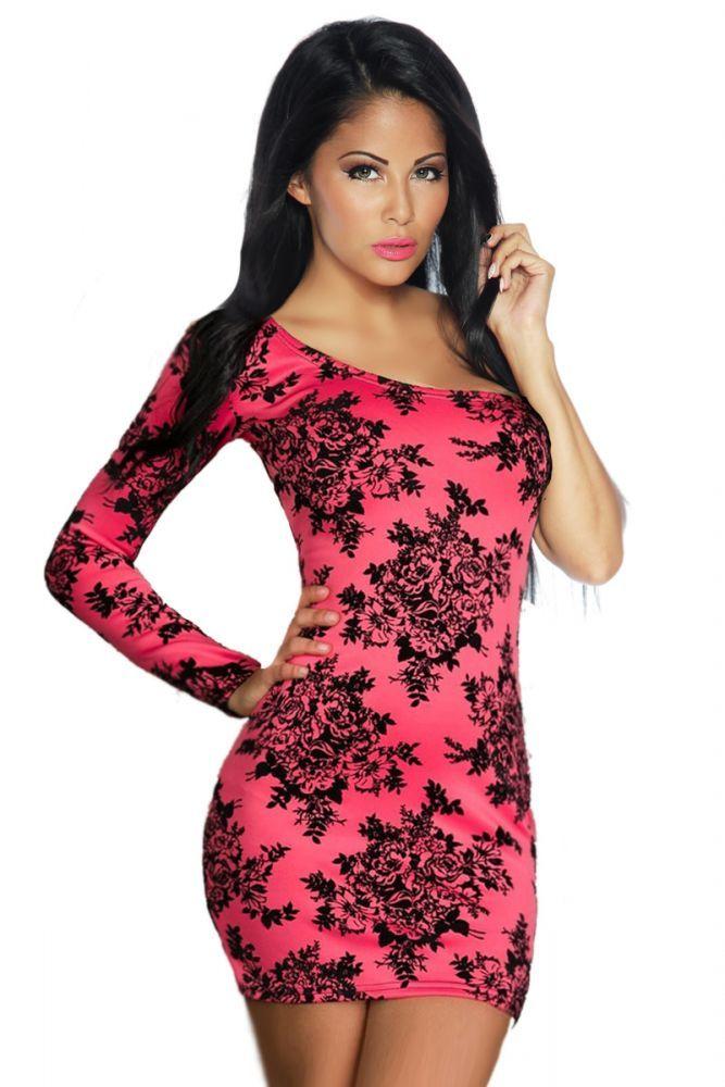 - romantisches Kleid  asymmetrischer Schnitt und mit Dreiviertel-Ärmel  mit Blumenmuster - für einen perfekten Sitzt sorgt der angenehm weiche und elastische Stoff wie auch...