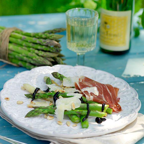 Recept på Sparris med skinka och balsamicosirap från - Hemmets Journal