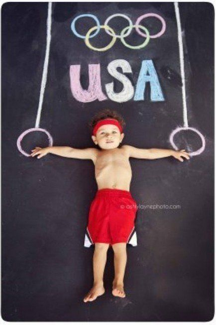 Fun for all ages. Sidewalk chalk photo ideas. #activity (Photo by: Ashly Layne Photography)