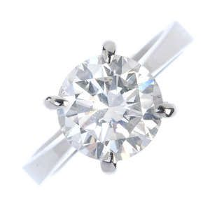 LOT:193   An 18ct gold diamond single-stone ring.