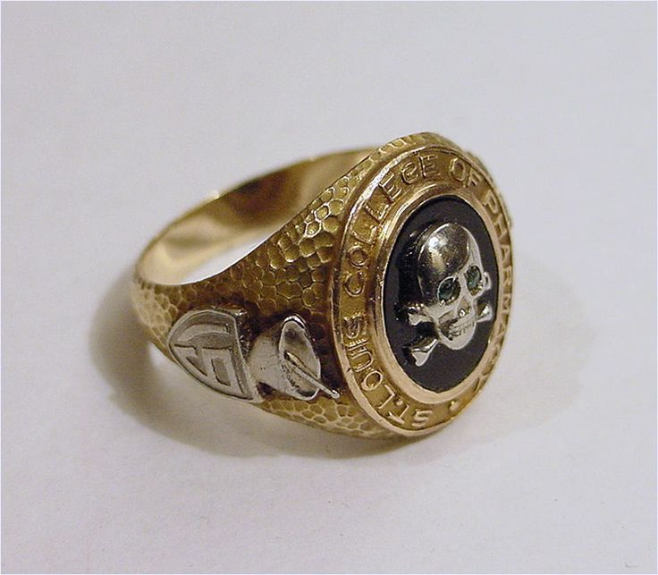 Historic 1932 St Louis College of Pharmacy Class Ring