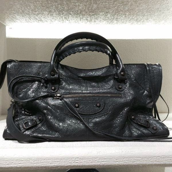 Classic city bag by @balenciagaparis #Classic #CityBag #bag #FolliFollie #FW14collection