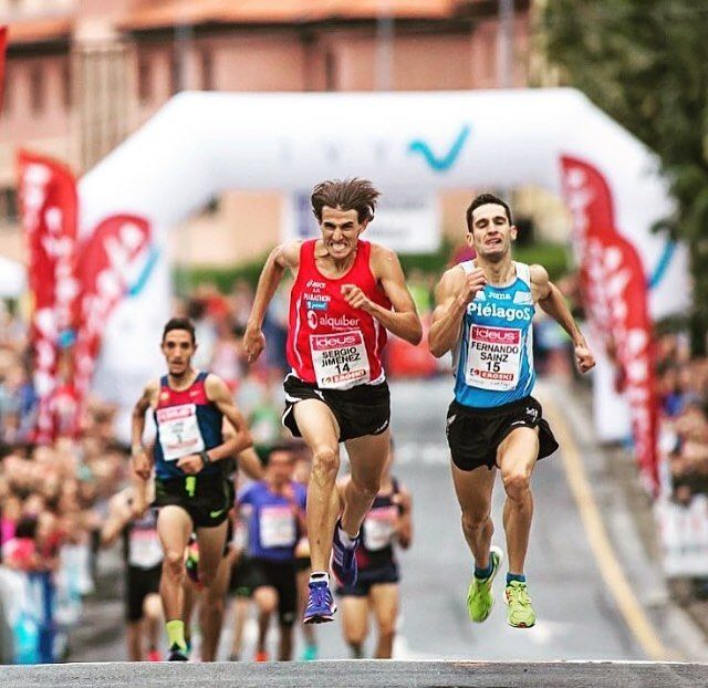 """When you want to succeed as bad as you want to breathe then you'll be successful "". - Erik Thomas .  Road race in Berango International Mile in Spain . Happy  Tuesday . . . Follow us use hashtag #wonderfulrunning and join the movement . . . . . @fotorunners.es via @runtheory"
