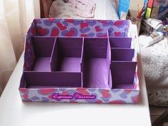 caixa organizadora de maquiagem ,com uma caixa de sapato , confira mais fotos no meu blog , clique no link http://expressaocharmosa.com/caixa-organizadora-de...