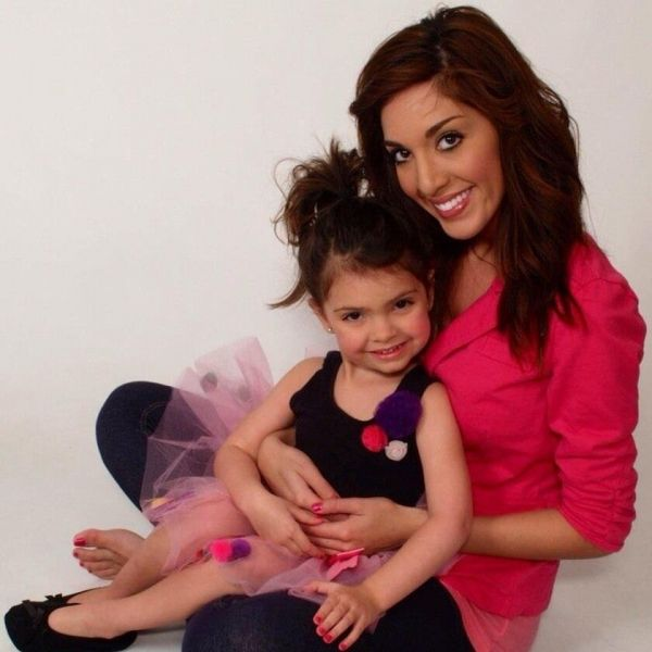 """""""Backdoor Teen Mom"""" Farrah Abraham blasted again, this time for waxing her 4 year old daughter's eyebrows. - News - Bubblews"""