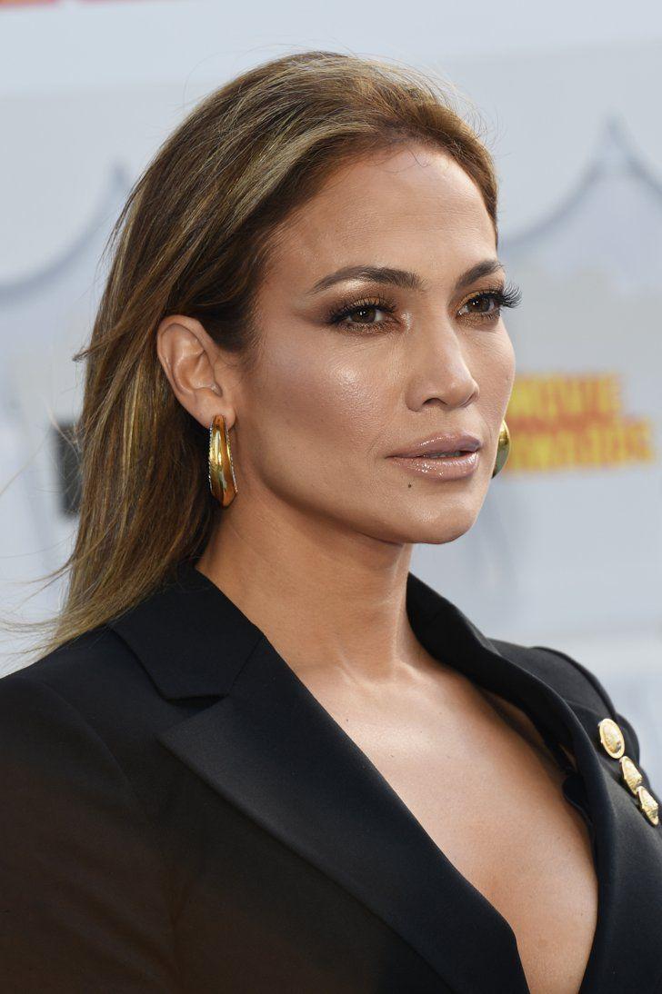 Pin for Later: Jennifer Lopez Still Has the Lushest Eyelashes in Hollywood Jennifer Lopez at the 2015 MTV Movie Awards