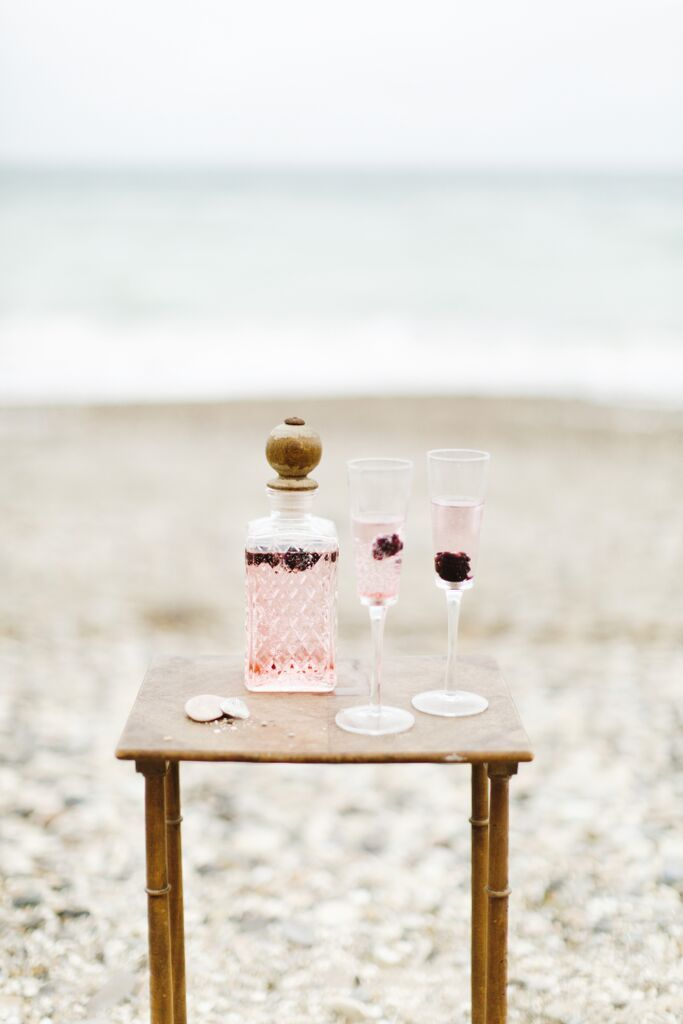 Pink champagne and berries cocktail #lovepotion #potion #champagne #pink #cocktail