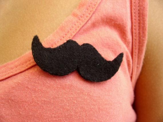 Handmade like a sir brooch ( mustage ). €4,50, via Etsy.