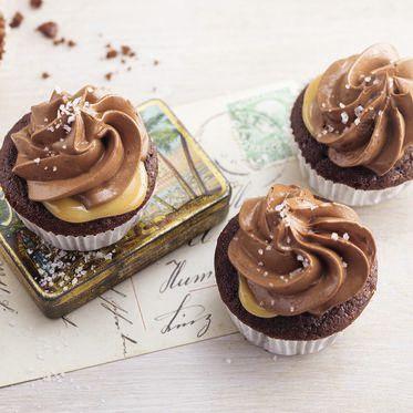 Čokoládové mini košíčky s karamelom