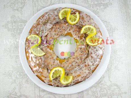 O reteta de prajitura cu lamaie delicioasa, cu aroma fina de lamaie si migdale, preparata cu lamai intregi si migdale albe macinate.