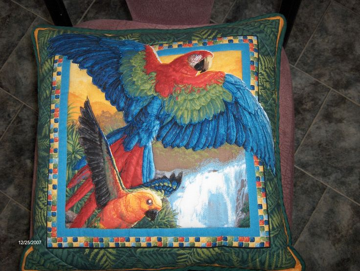 Parrot cushion - BaRb