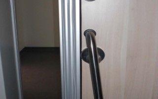 record CLEAN K1-A dB – Automatische geluidswerende deur. Automatische geluidswerende deur - De deurkern van onze record CLEAN K1-A-dB is geluidsabsorberend en omringd door rubberen afdichtingen. Dit product is beschikbaar in geluidsdichtheid van 34 dB, 37 dB en 42 dB. De oppervlakte kan ontworpen worden van hoogwaardig staal of vrij ontwerpbaar HPL. Een combinatie van beide materialen is ook mogelijk.